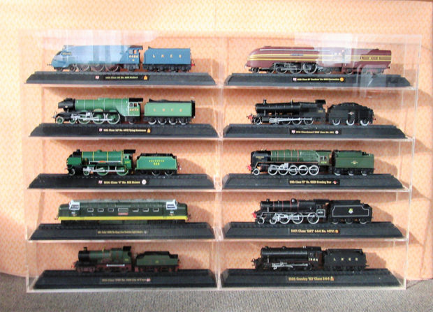 display case for model trains