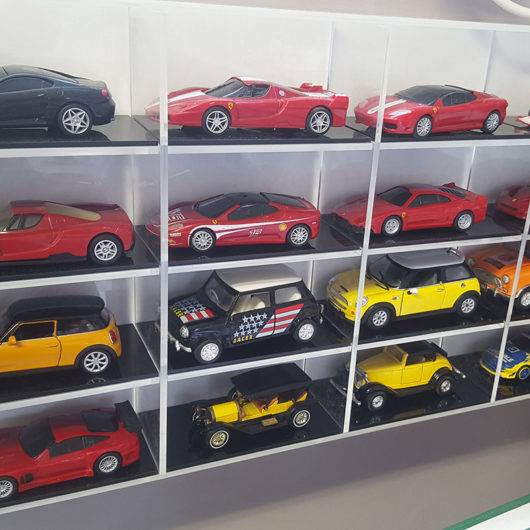 display case for die-cast model cars
