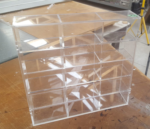 smalll display case for model cars, marbles etc